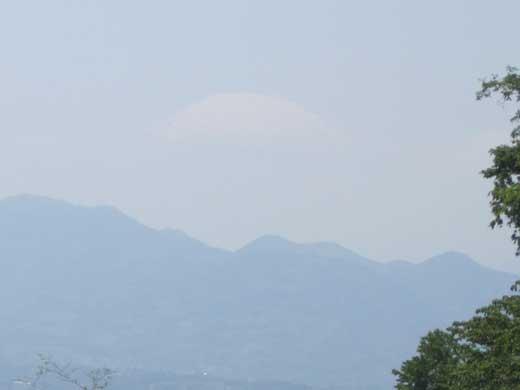 20120519雲の上の富士山