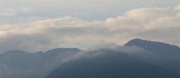 001山々