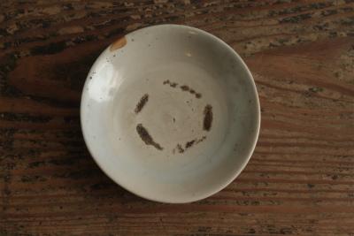 李朝初期白磁平茶碗