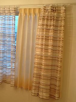 寝室カーテン