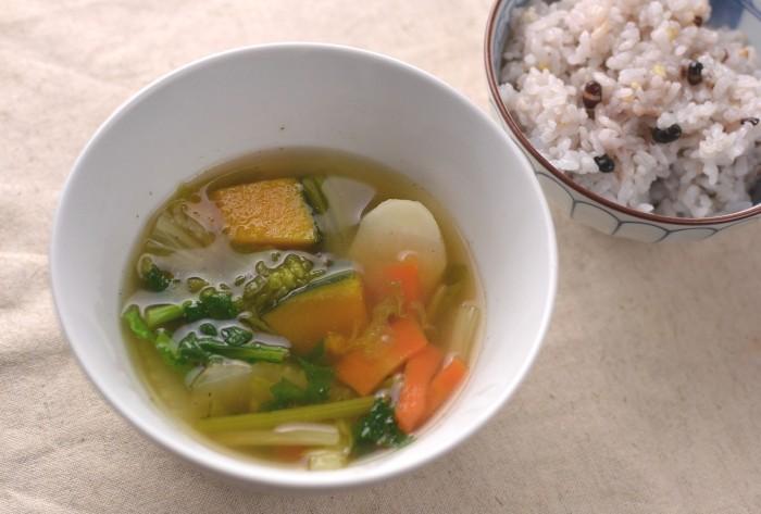 野菜スープと雑穀米