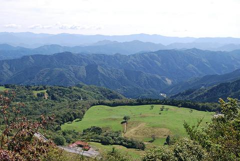 茶臼山から高原の景色