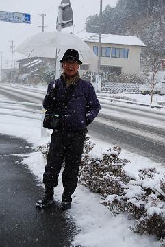 雪の中を散歩