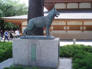 軍犬の追悼石像