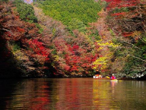 ダム湖 3