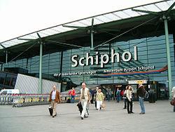 250px-Schiphol-plaza-ns.jpg
