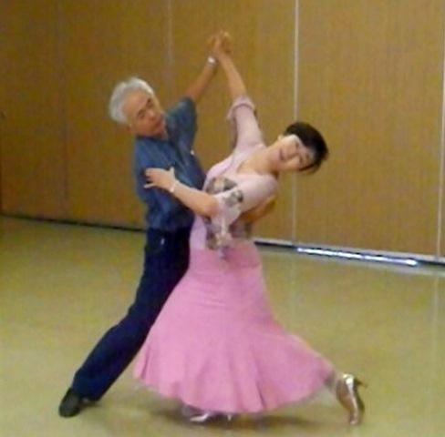 waltz1.jpg