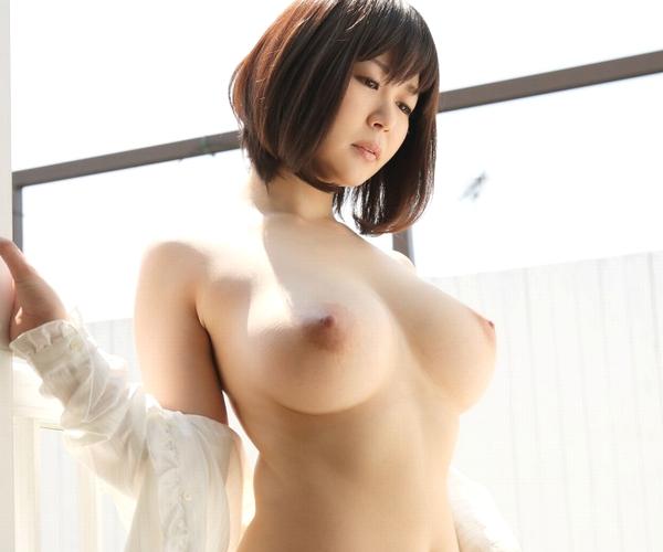 AV女優 上原亜衣の月収が800万円ってマジか!?