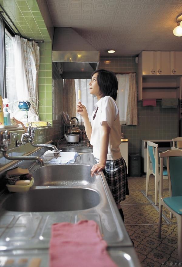 女優 掘北真希 既に映画TVで大活躍。18歳頃のグラビア画像50枚 アイコラ ヌード おっぱい お尻 エロ画像019a.jpg