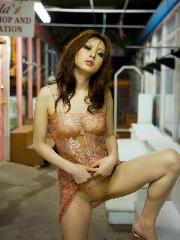 美乳 池田夏希 グラビアアイドルSEXY画像110枚 アイコラ ヌード おっぱい お尻 エロ画像b070a.jpg
