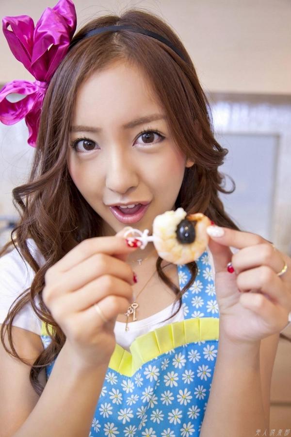AKB48 板野友美×前田敦子 AKB48時代の水着SEXY画像など65枚 アイコラ ヌード おっぱい お尻 エロ画像b002a.jpg
