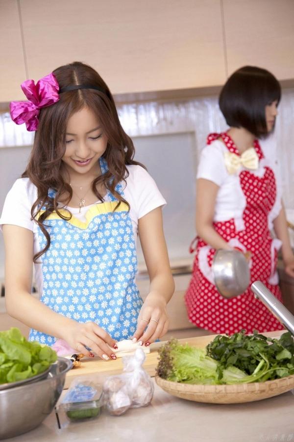 AKB48 板野友美×前田敦子 AKB48時代の水着SEXY画像など65枚 アイコラ ヌード おっぱい お尻 エロ画像b007a.jpg