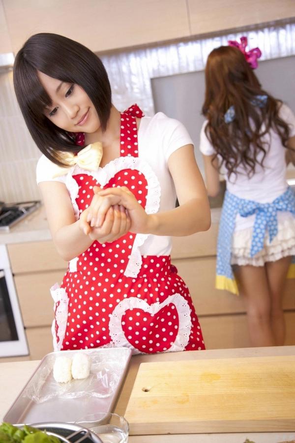 AKB48 板野友美×前田敦子 AKB48時代の水着SEXY画像など65枚 アイコラ ヌード おっぱい お尻 エロ画像b009a.jpg