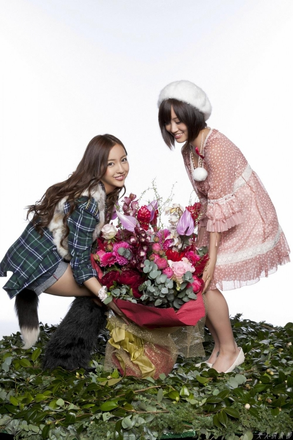 AKB48 板野友美×前田敦子 AKB48時代の水着SEXY画像など65枚 アイコラ ヌード おっぱい お尻 エロ画像b041a.jpg