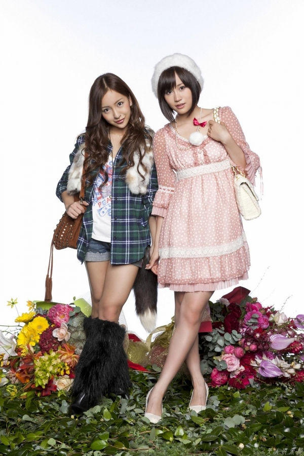 AKB48 板野友美×前田敦子 AKB48時代の水着SEXY画像など65枚 アイコラ ヌード おっぱい お尻 エロ画像b046a.jpg