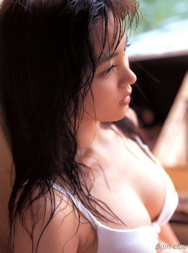 女優 国仲涼子 向井理が惚れた美ボディの貴重な水着画像85枚 アイコラ ヌード おっぱい お尻 エロ画像035a.jpg