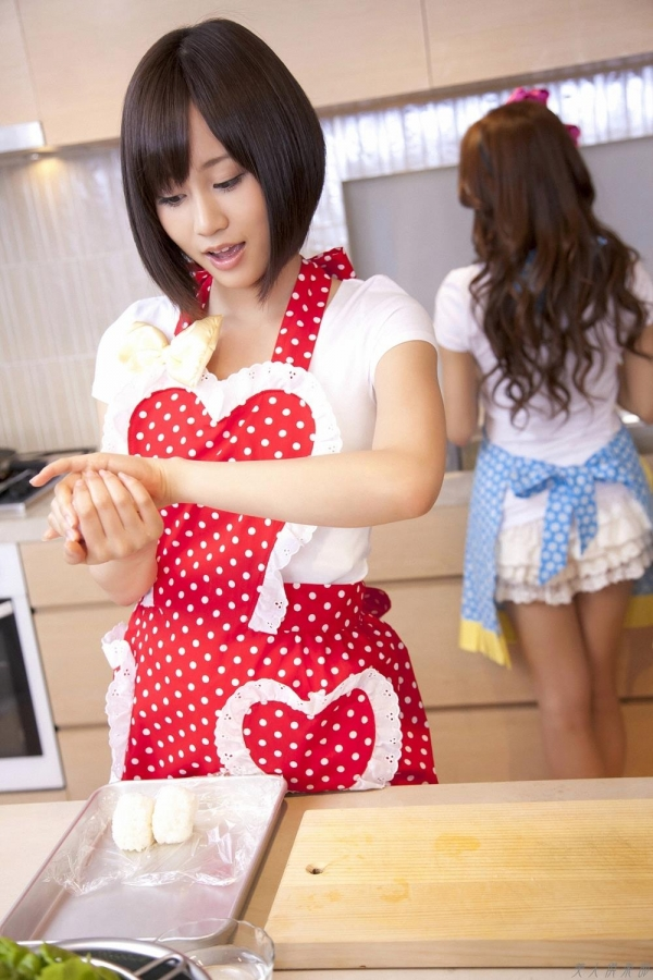 AKB48 前田敦子|板野友美も一緒!AKB48卒業前の可愛い画像75枚 アイコラ ヌード おっぱい お尻 エロ画像b004a.jpg