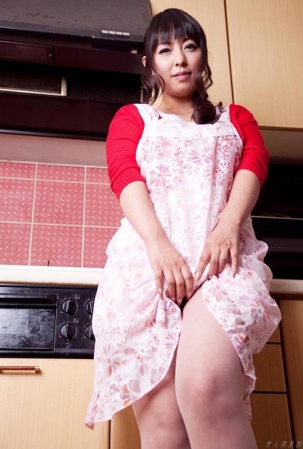 AV女優 村上涼子|三十路の巨乳熟女エロ画像100枚 まんこ  無修正 ヌード クリトリス エロ画像b004a.jpg