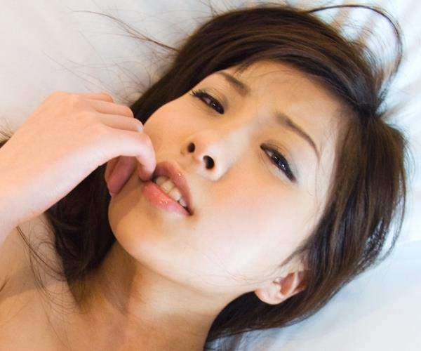 桜木凛 Cカップ美乳のスレンダー美女ヌード画像の1