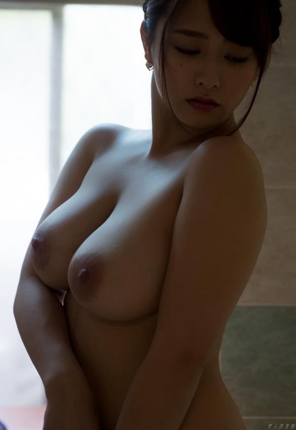 白石茉莉奈 チャイナドレスの人妻エロ画像75枚の13枚目
