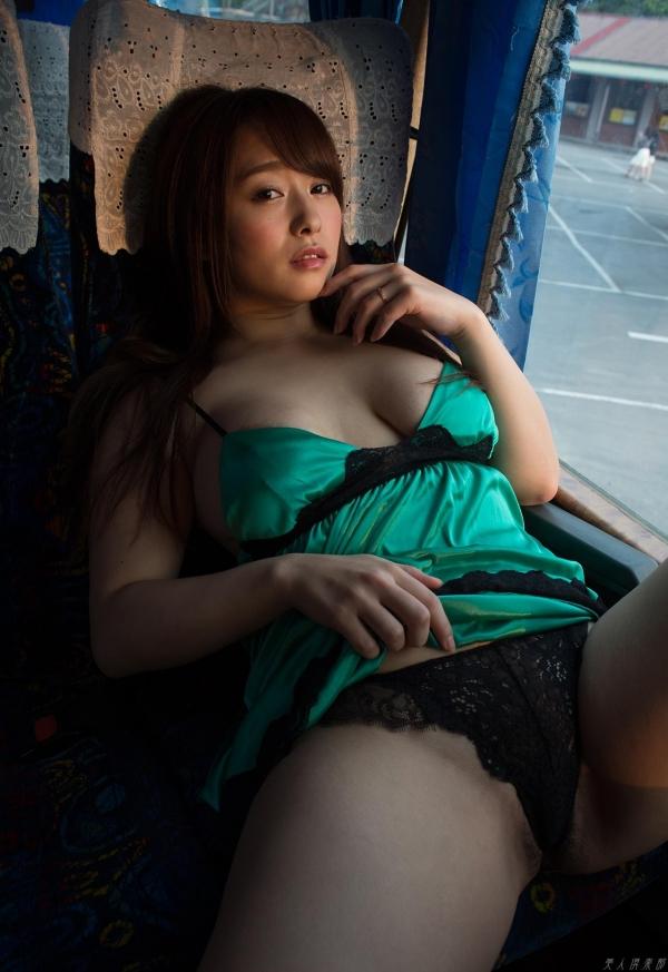 白石茉莉奈 チャイナドレスの人妻エロ画像75枚の52枚目