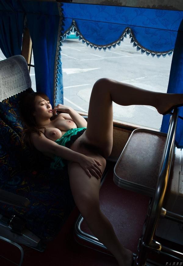 白石茉莉奈 チャイナドレスの人妻エロ画像75枚の57枚目