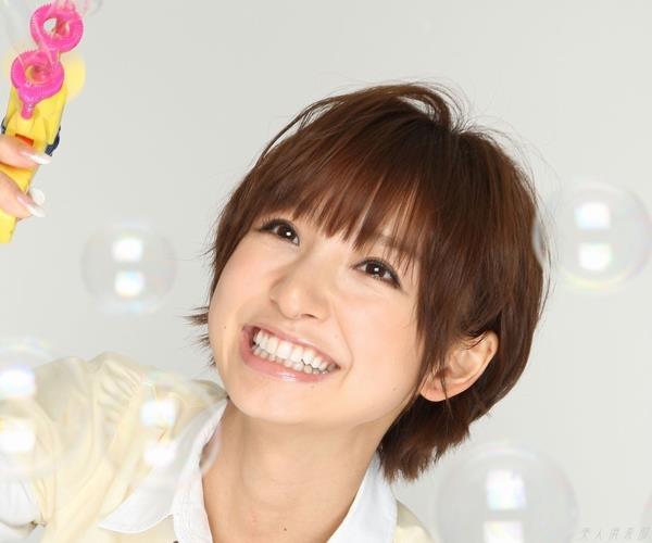 AKB48 篠田麻里子 上からマリコ麻里子様の高画質グラビア画像135枚 アイコラ ヌード おっぱい お尻 エロ画像001a.jpg
