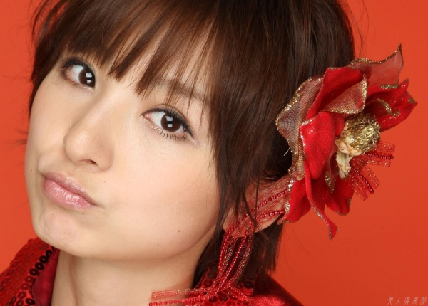 AKB48 篠田麻里子 上からマリコ麻里子様の高画質グラビア画像135枚 アイコラ ヌード おっぱい お尻 エロ画像043a.jpg