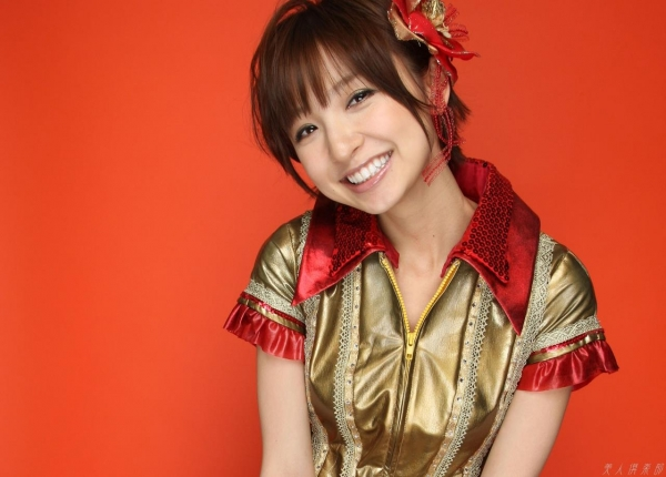 AKB48 篠田麻里子 上からマリコ麻里子様の高画質グラビア画像135枚 アイコラ ヌード おっぱい お尻 エロ画像047a.jpg