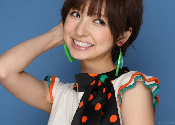 AKB48 篠田麻里子 上からマリコ麻里子様の高画質グラビア画像135枚 アイコラ ヌード おっぱい お尻 エロ画像055a.jpg