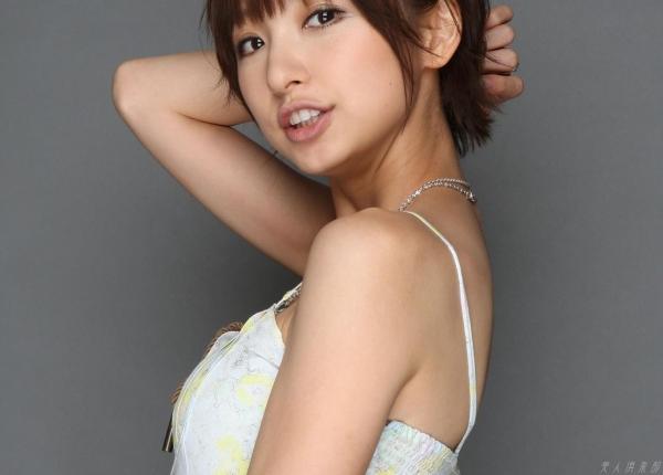 AKB48 篠田麻里子 上からマリコ麻里子様の高画質グラビア画像135枚 アイコラ ヌード おっぱい お尻 エロ画像057a.jpg