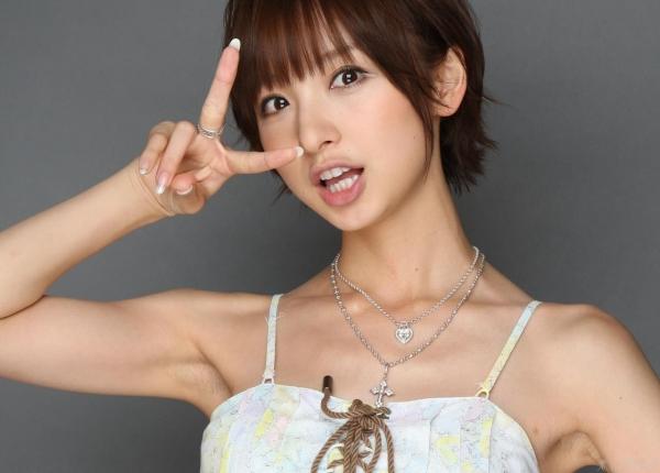 AKB48 篠田麻里子 上からマリコ麻里子様の高画質グラビア画像135枚 アイコラ ヌード おっぱい お尻 エロ画像071a.jpg