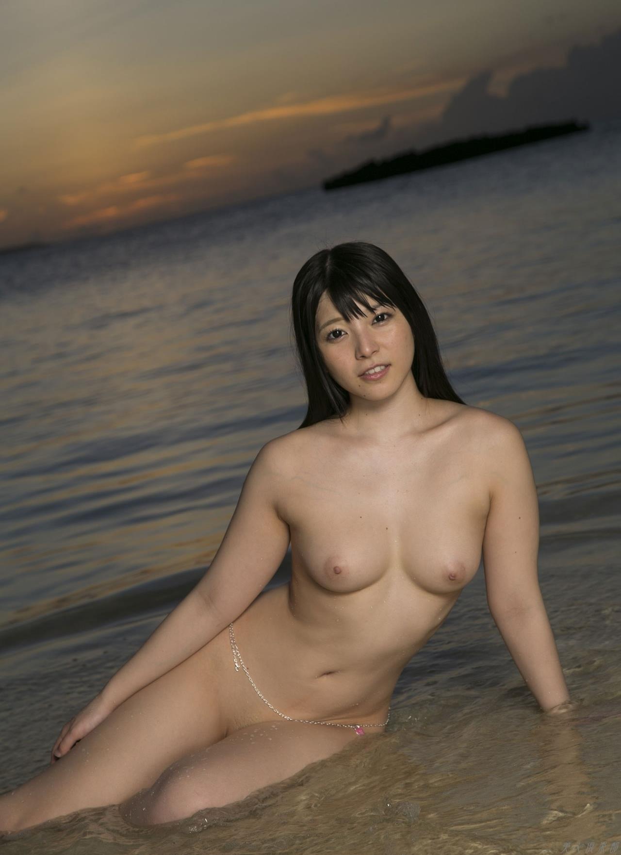 八束みこと、Kカップ爆乳でムチムチで色白の美少女がAVデビュー!
