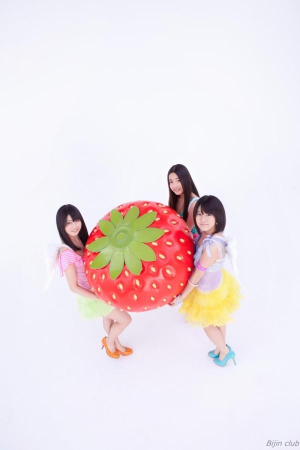 アイドル AKB48 横山由依 皆と一緒の高画質な水着画像など65枚 アイコラ ヌード おっぱい お尻 エロ画像a013a.jpg
