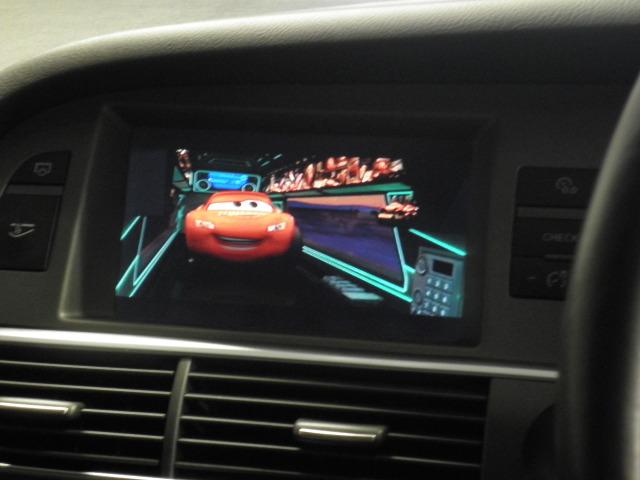 アウディA6で観るiPod動画