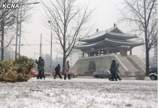 20141210pyonyang first snow