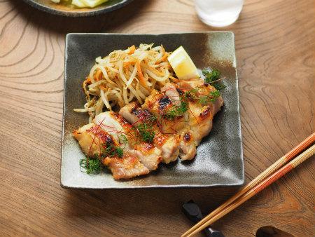 鶏もも肉のにんにく味噌焼き25