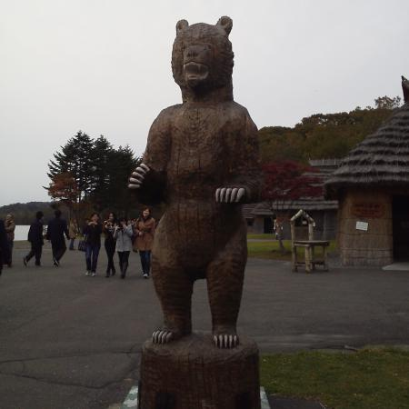 二足動物となった熊