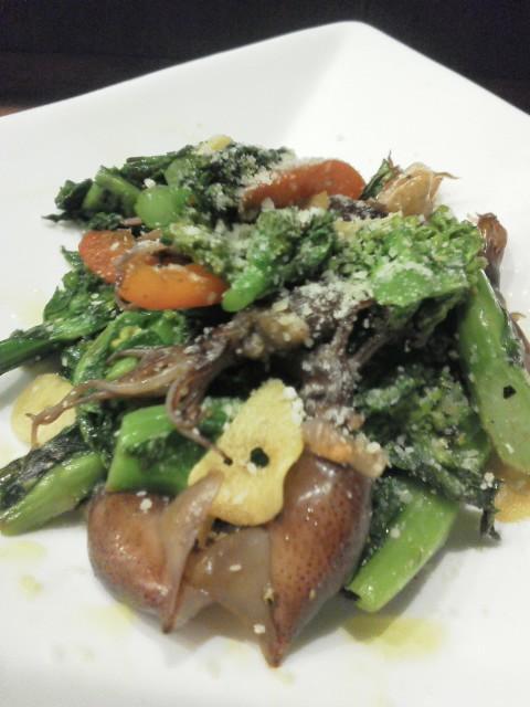 ホタルイカと菜の花の炒め物