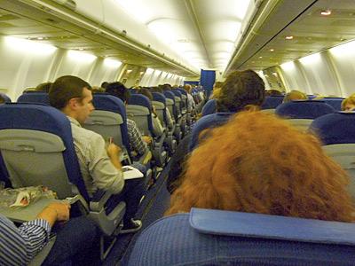 マドリッドへ向かう飛行機の内部