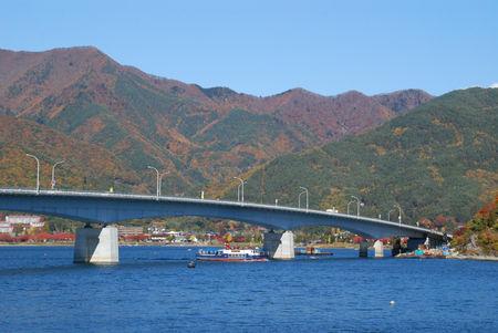 大橋を望む3