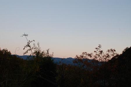 山の夕暮れ2