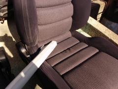 座席掃除機使用