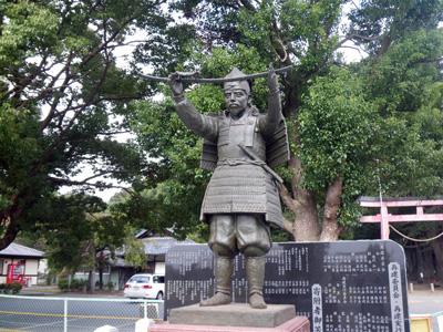 新田義貞公銅像