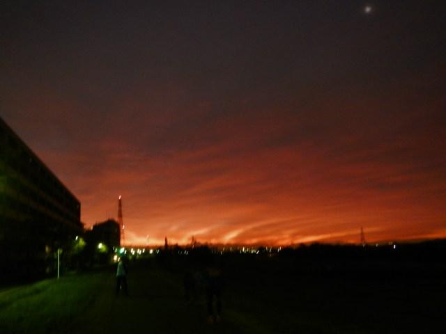多摩川の朝焼け