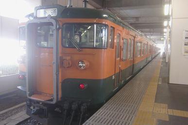 もと湘南電車の両毛線