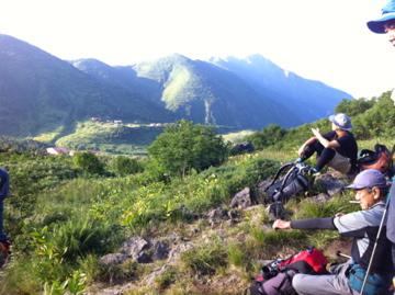 翌日早朝別山をトンビ岩コースから望む