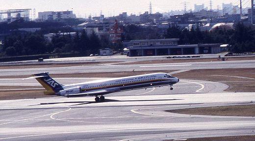 19940130伊丹空港631-1_MD-87