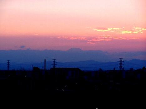 夕焼けの間の富士