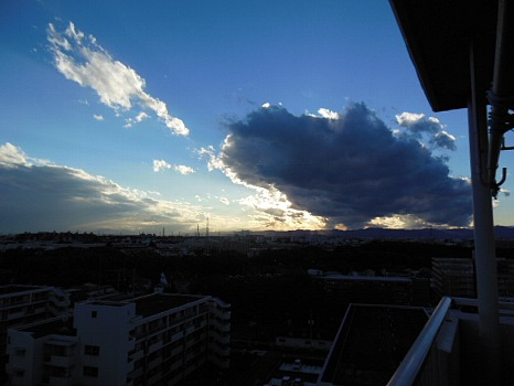 夕方の黒雲A